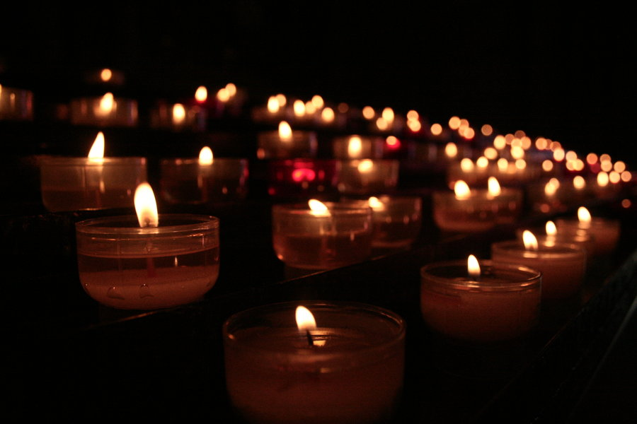 Church_Candles_by_Athanase
